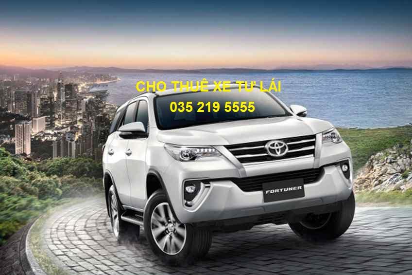 Vì sao người Việt lựa chọn thuê xe tự lái giá rẻ thay vì mua xe riêng?