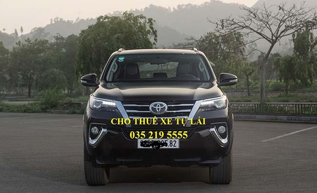 Cho thuê xe Toyota Fortuner AT 2016 (7 chỗ)